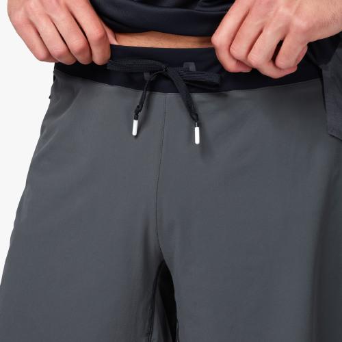 On Lightweight Shorts Shadow Black 3